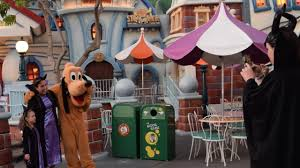 parks and rec halloween meet chip u0026 dale and pluto at mickey u0027s halloween party 2016