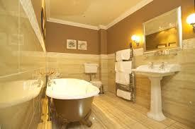 bathroom travertine tile design ideas trendy cottage bathroom tile design ideas using travertine