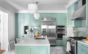 4 foolproof tips to help you pick the perfect paint color