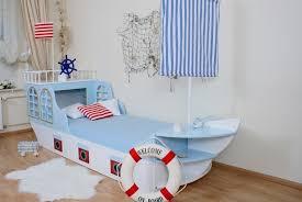 kinderzimmer maritim kinderbett boot maritim babyzimmer gestaltung
