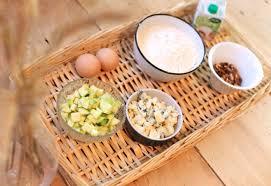 comment cuisiner une courgette comment preparer des muffins courgette roquefort et noix