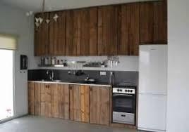 repeindre meuble de cuisine en bois repeindre une cuisine en bois massif finest repeindre cuisine en