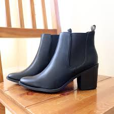 womens boots that feel like sneakers best 25 black boots ideas on grunge shoes chunky