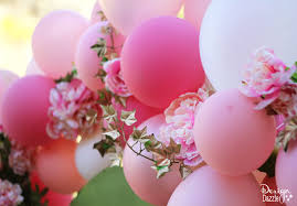 flowers and balloons balloons flowers make beautiful fairy arch tutorial tierra este