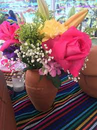 wholesale flowers near me table flower centerpieces cantaritos were provided by me