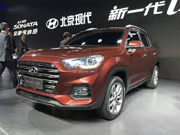 suv hyundai ix35 hyundai ix35 suv breaks cover at 2017 shanghai motor find