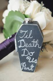 Halloween Themed Wedding Decorations by Best 25 Punk Wedding Ideas On Pinterest Punk Rock Wedding