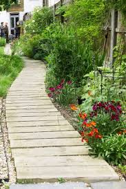 garden paths how important is your garden path the middle sized garden