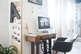 bureau dans salon chez moi mon coin bureau et des idées pour intégrer un espace de
