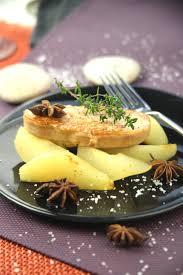 cuisiner du foie gras foie gras poêlé aux poires pochées parfumées recette foie gras