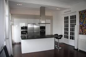 cuisine blanche avec ilot central cuisine intégrée avec ilot central cuisine en image