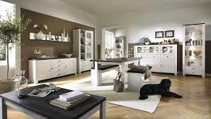 wohnzimmer landhausstil gestalten wei wohnzimmer im landhausstil planung fertigung und montage funvit