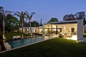 this a modern house with simple and minimalist style as if