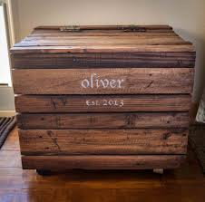Build A Toy Box Out Of Pallets by Making Diy Toy Box Can Be As Simple As This Here U0027s How