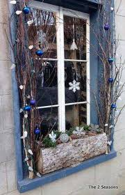 25 Unique Window Decorating Ideas On Pinterest Christmas