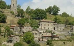 houses villas and apartments for sale in garfagnana any price