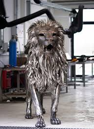 metal lion sculpture majestic lion sculpture made of 4 000 pieces of hammered scrap