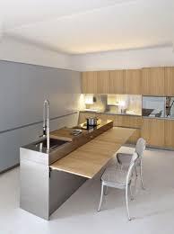 peinturer un comptoir de cuisine comptoir de cuisine en bois grisâtre naturel comptoir lisse poli