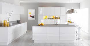 plan de travail cuisine blanche design interieur plan de travail cuisine gris clair armoires