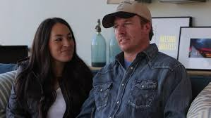 Joanna Gaines Facebook Buzzfeed Cosmo Upset Hgtv U0027s Gaines Family Attends Church Against