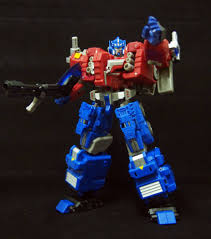 transformazing toys fall of cybertron ultra magnus and optimus