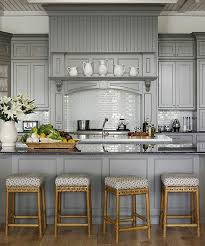 peindre sa cuisine en comment peindre une cuisine en bois simple relooker ses meubles de