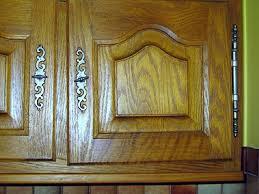 changer portes cuisine changer porte de cuisine affordable poubelle de porte fixer
