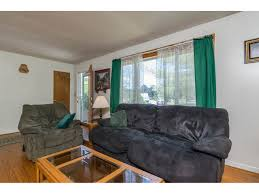 88 peterson terrace middlebury vermont coldwell banker hickok listed by adam hergenrother of kw vermont