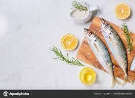 cuisiner cru plat poisson cuisiner avec des ingrédients différents poisson cru