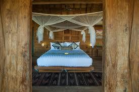 honeymoon bali ubud hotel luxurious nature bamboo loversiq