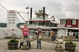 Missouri cruise travel images A family visit to mark twain 39 s hometown in hannibal mo is an jpg