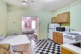 apartment needs the hellish kitchen in this hell s kitchen apartment needs a