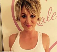 why kaley cucoo cut her hair kaley cuoco dyes her blonde pixie hair pink in latest instagram