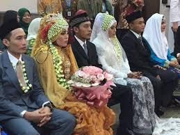 7 indonesian couples tie the knot in group wedding taiwan news