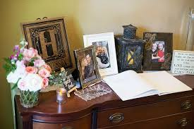 Decorating The Entrance To Your Home Decorating The Entrance Tables Wedding Venue