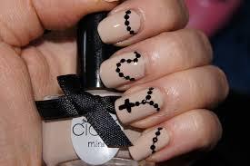 neutral nail art