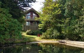 chalet a louer 4 chambres chalet tout confort à louer bord de lac sur vaste propriété privée