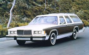 Old Lincoln Town Car An American Icon Ford U0027s Panther Platform Motor Trend