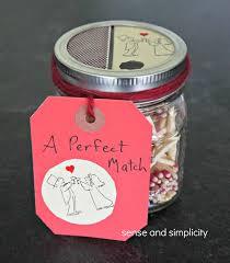 Mason Jar Party Favors 30 Ideas To Fill Your Diy Mason Jar Wedding Favors With