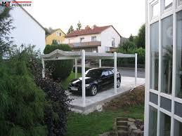 carport mit balkon hochwertige carports mit edlen aluminium holz carport m t polyester