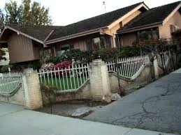 the real brady bunch house los angeles california brady bunch house up close youtube