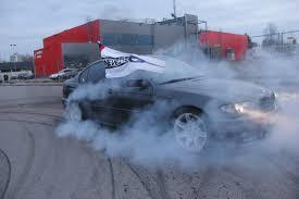 bmw showroom exterior panevėžio bmw fanų klubo gimtadienis padangų dūmų debesys ir