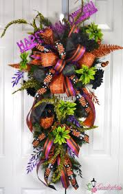 how to make a halloween wreath with mesh ribbon 599 best halloween deco mesh wreaths images on pinterest