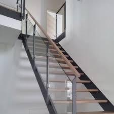 treppen holzstufen kombination holz stahl treppen treppenbau holztreppen