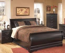 huey vineyard sleigh bedroom set bedroom at real estate huey vineyard sleigh bedroom set photo 9