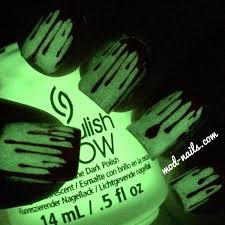 modnails blood drip glow in the dark halloween nails