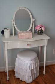 Pottery Barn Mirror Knock Off by Diy A Knock Off Pottery Barn Kids Vanity Stool U2013 Organized And