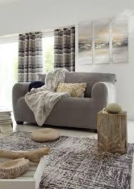 habiller un canapé relooker un vieux canapé usé et abîmé côté maison