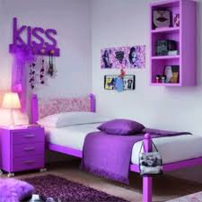 bedroom design for girls where there is a small wardrobe and