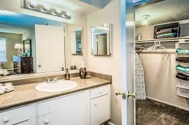 One Bedroom Apartments Mobile Al by Bathroom And Walk In Closet At Robinwood Apartments In Mobile